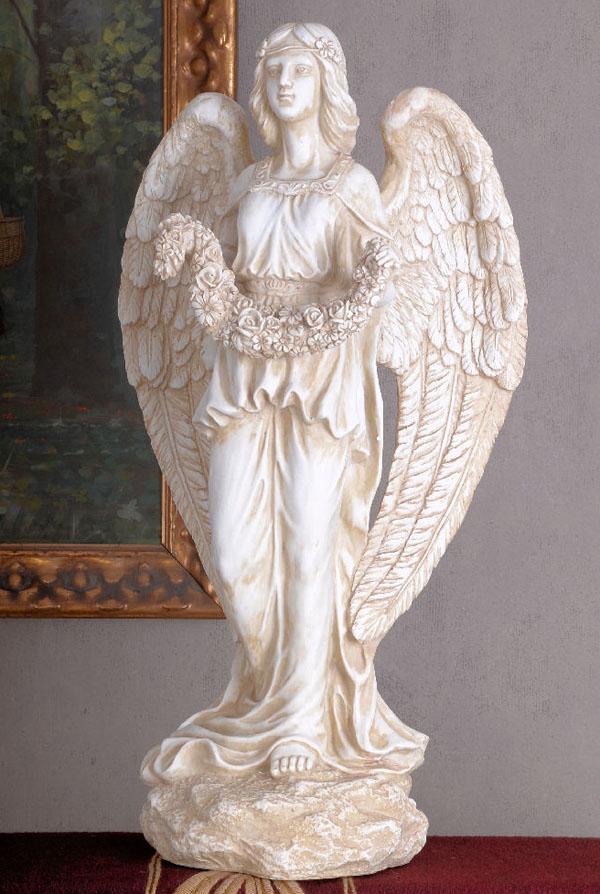 Figura Anioła Z Girlandą W Stylu Secesyjnym