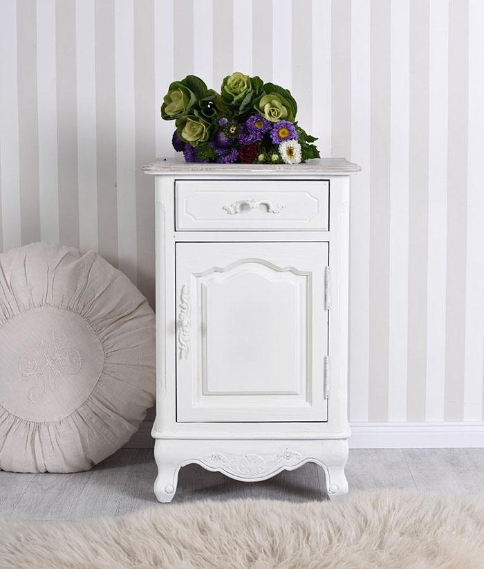 romantyczna szafka nocna w stylu shabby chic. Black Bedroom Furniture Sets. Home Design Ideas